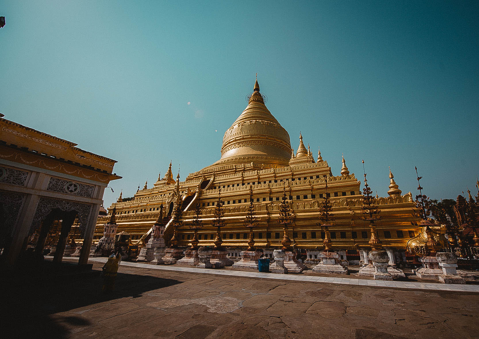 Bagan - magia świątyń.
