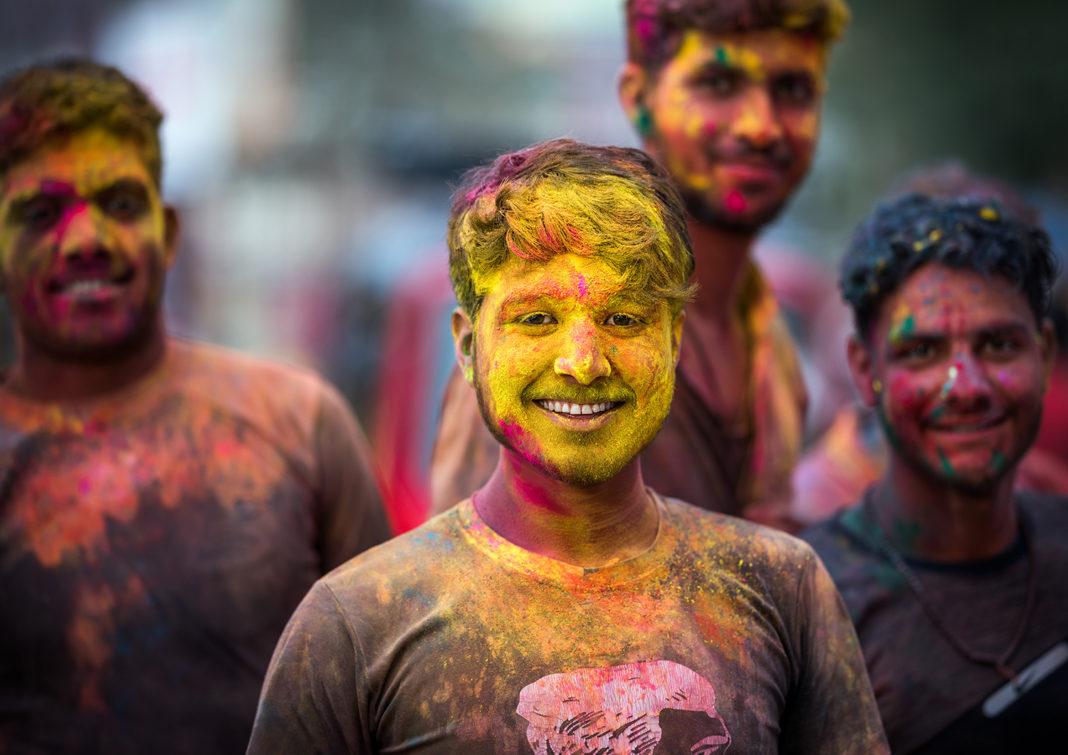Holi swieto kolorow indie - blog podróżniczy