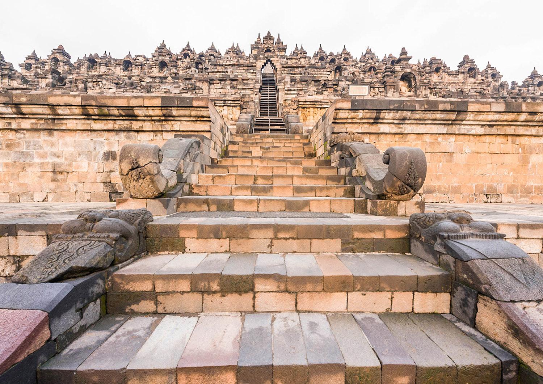 Co warto zobaczyć w Indonezji - Borobudur - blog podróżniczy