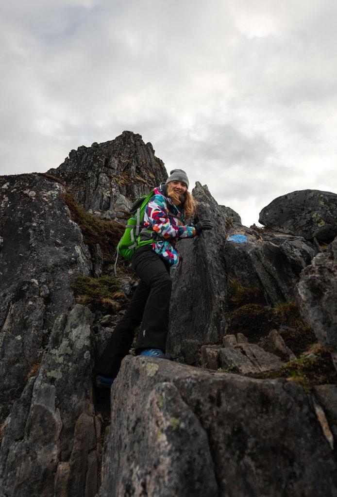 Daven, Asia by Matejko. Wejście na skały. Senja, Norwegia