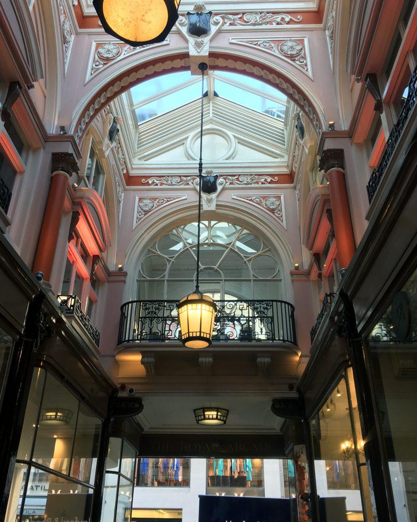 sklep bond street Londyn blog podróżniczy